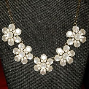Pearly statement necklace